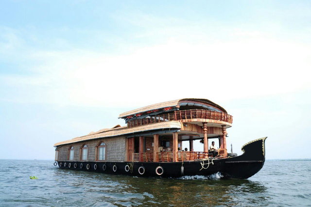 Parthasarathy luxury houseboats alleppey use coupon for 01 bedroom ac deluxe houseboat
