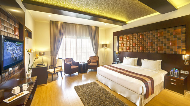 Clarks Exotica Convention Resort And Spa Bangalore Room