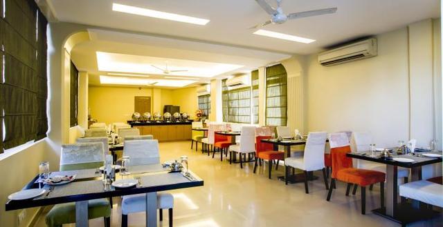 201004301220329453_Clarks_Inn_Restaurant_Image1