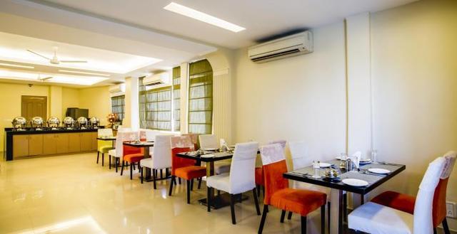 201004301220329453_Clarks_Inn_Restaurant_Image2