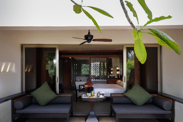 family_terrace_room_living_area