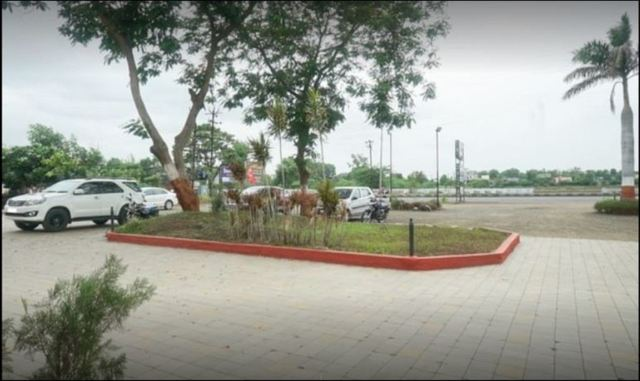 sanskruti_resort_parking_area