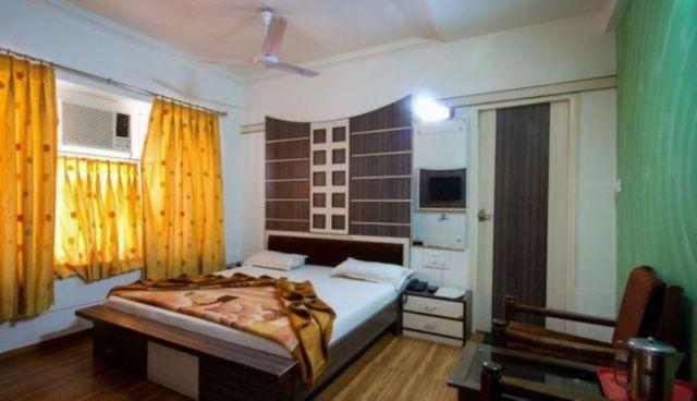 Luxury_Room1