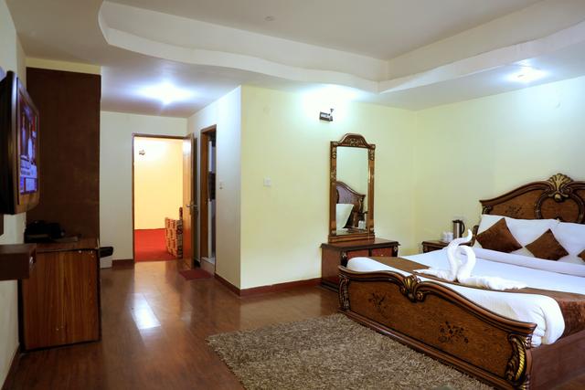 Hotel Royal Grand Manali