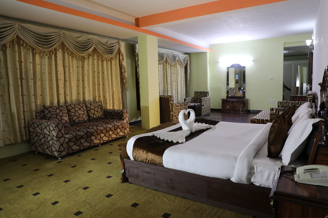 The Royal Grand Hotel Manali Room Rates Reviews Amp Deals