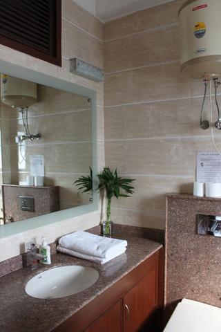 Saket Bed And Breakfast New Delhi Room Rates Reviews Amp Deals