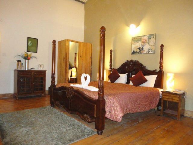 Honeymoon_Suite_Room_Picture