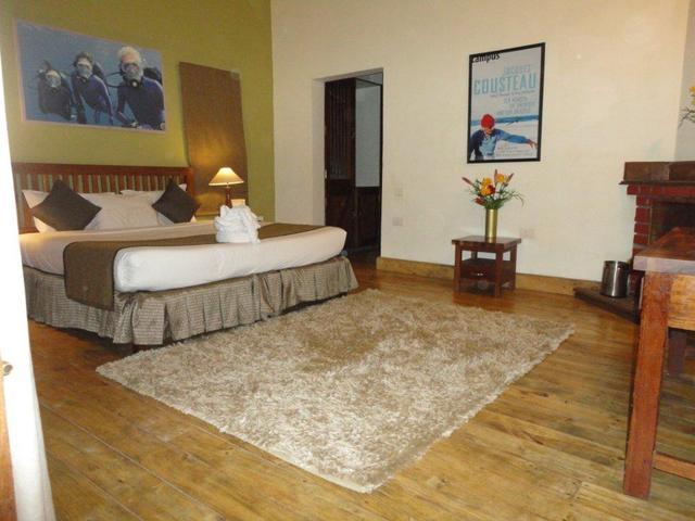 Luxury_room_Annex_Block_(_C_)_Bed_room