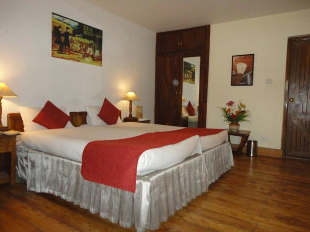 Standard_Room_-_Bed_room