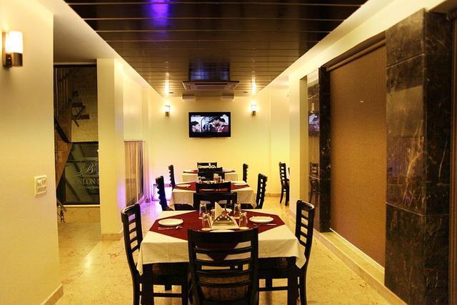 hotel-bonlon-inn-delhi-restaurant-28623660fs