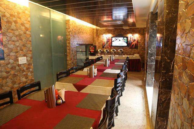 hotel-bonlon-inn-delhi-restaurant3-28623649fs