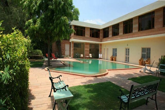 polo-heritage-hotel-jodhpur-swimming-pool-41664106fs