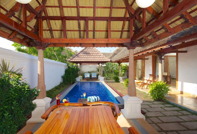 Le pondy beach and lake resort pondicherry room rates reviews deals for Villas in pondicherry with swimming pool