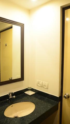 King_Bathroom_(1)_hdi