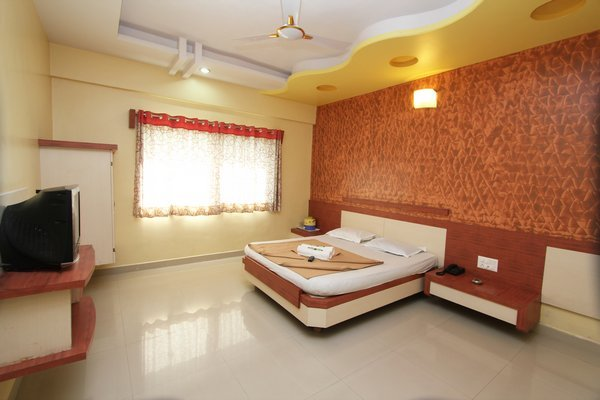 Double_Bed_AC__2_