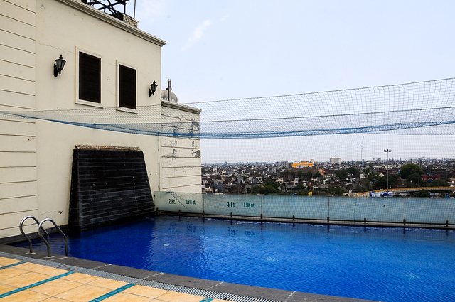 Swimming_Pool_(2)