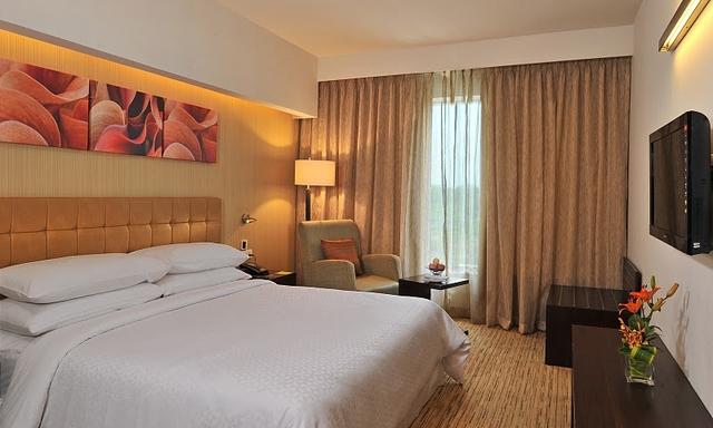 Comfort_Room_King