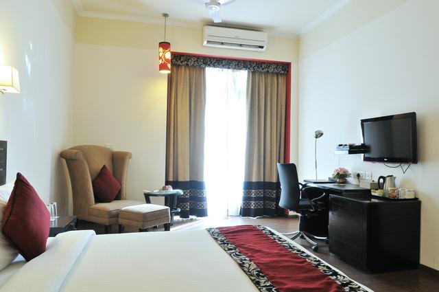 Luxury_Room_(1)