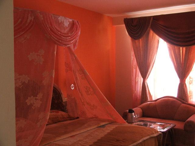 honeymoon_suite