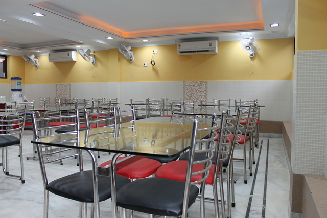 Restaurant's_Side_View