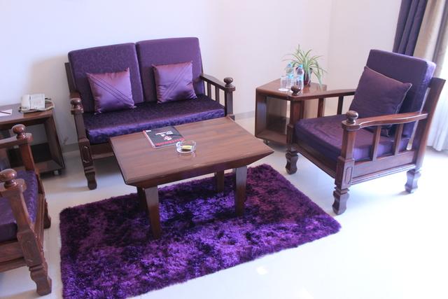 Suite_Living_Room_(1)