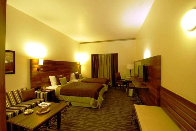 the-orchid-pune-deluxe-room-33837669fs