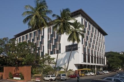 27654425-L1-Hotel_Facade16
