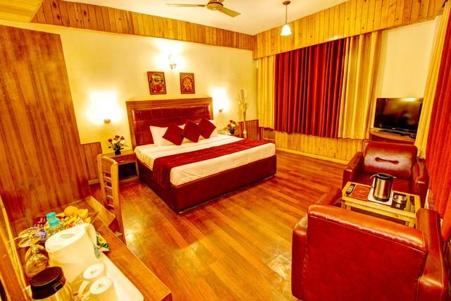 Luxury_Room_02