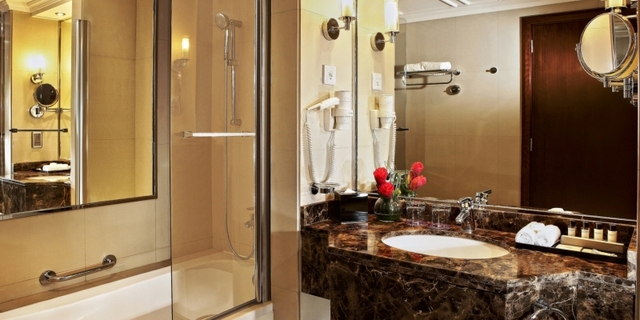 PRKK_-_Designer_Bathroom_-_gallery