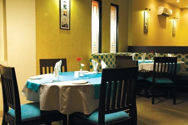 hotel-le-royale-silvassa-le-royale-restaurant2_jpg-silvassa-112231699884-jpeg-fs