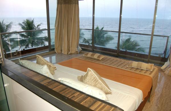 hotelprincesspark-daman-princess-honey-moon-suite-01