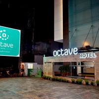 hotel_driveway