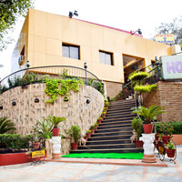 Hotel Aradhana By Ashoka 3 Star 4 5 Of Main Road Mount Abu