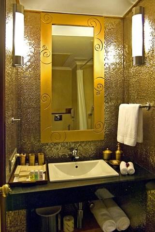 Heritage_Village_Resort_and_Spa_Manesar_Design_Suite_Bathroom