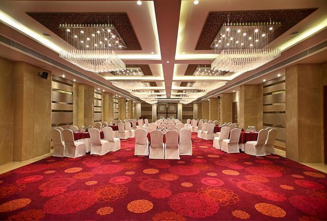 The Fern  Ahmedabad  Room Rates  Reviews  U0026 Deals