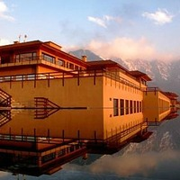 Vivanta_by_Taj_Dal_View_Srinagar_(9)