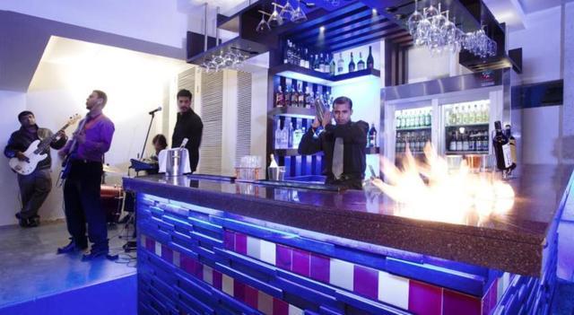 hotel-sayaji-pune-bar-42993871680fs