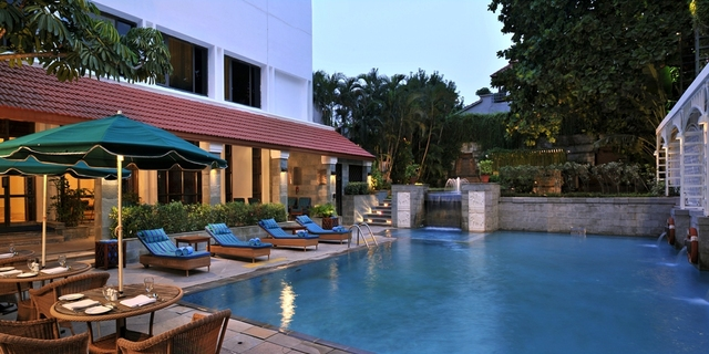 2_Pool_Side_CCF_SH_MR