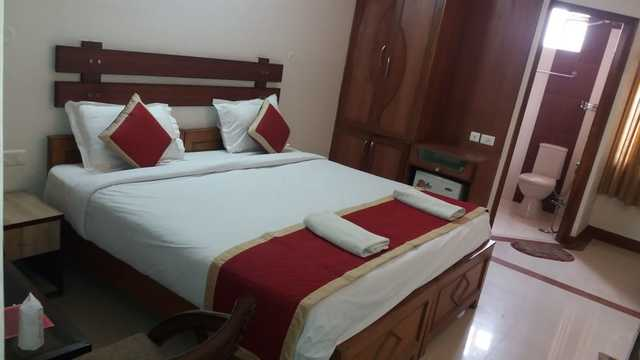 Guest_Room_(2)