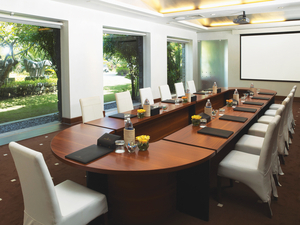 32732149-L1-Agenda_-_The_Meeting_Room