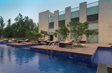 Radisson_Bklu_GN_Swimming_Pool