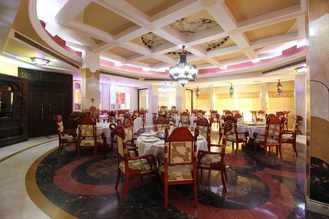 Zaiqa_Restaurant_(1)