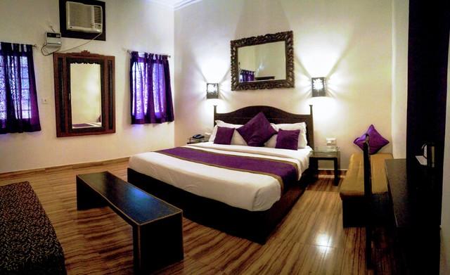 Luxury_Room_Purple