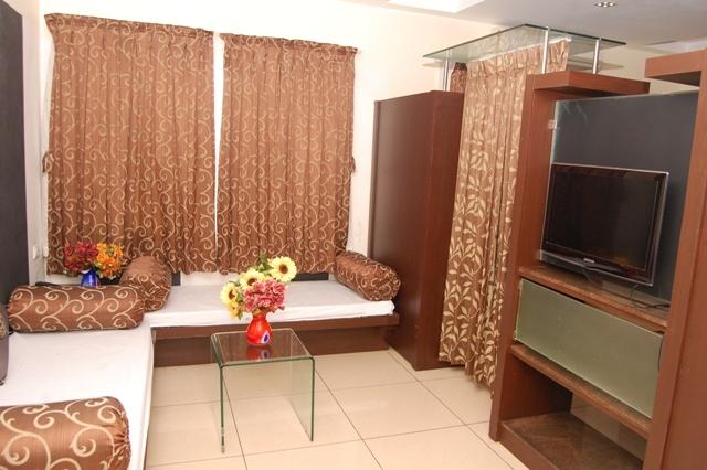 Suite_sitting_area