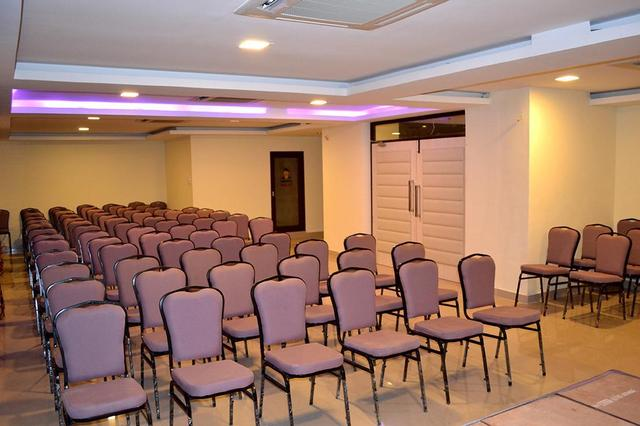 red-sun-serviced-apartments-chennai-party-hall-28637488fs