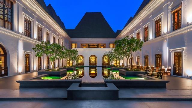 GOAGH_Grand_Hyatt_Goa_Palace_building_water_body_sm