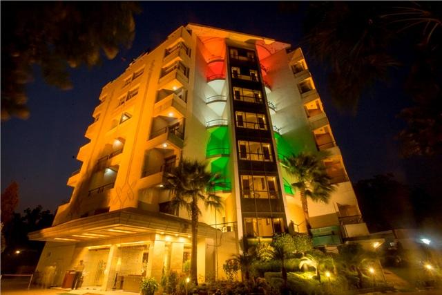 Hotel_Front_Facade