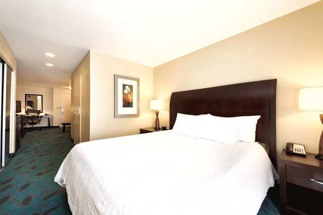 2927936_72 - Hilton Garden Inn Fargo