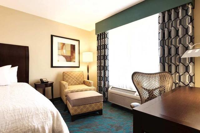 2927936_98 - Hilton Garden Inn Fargo