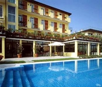 The Flowers Apartments 1, Desenzano Del Garda. Use Coupon Code ...